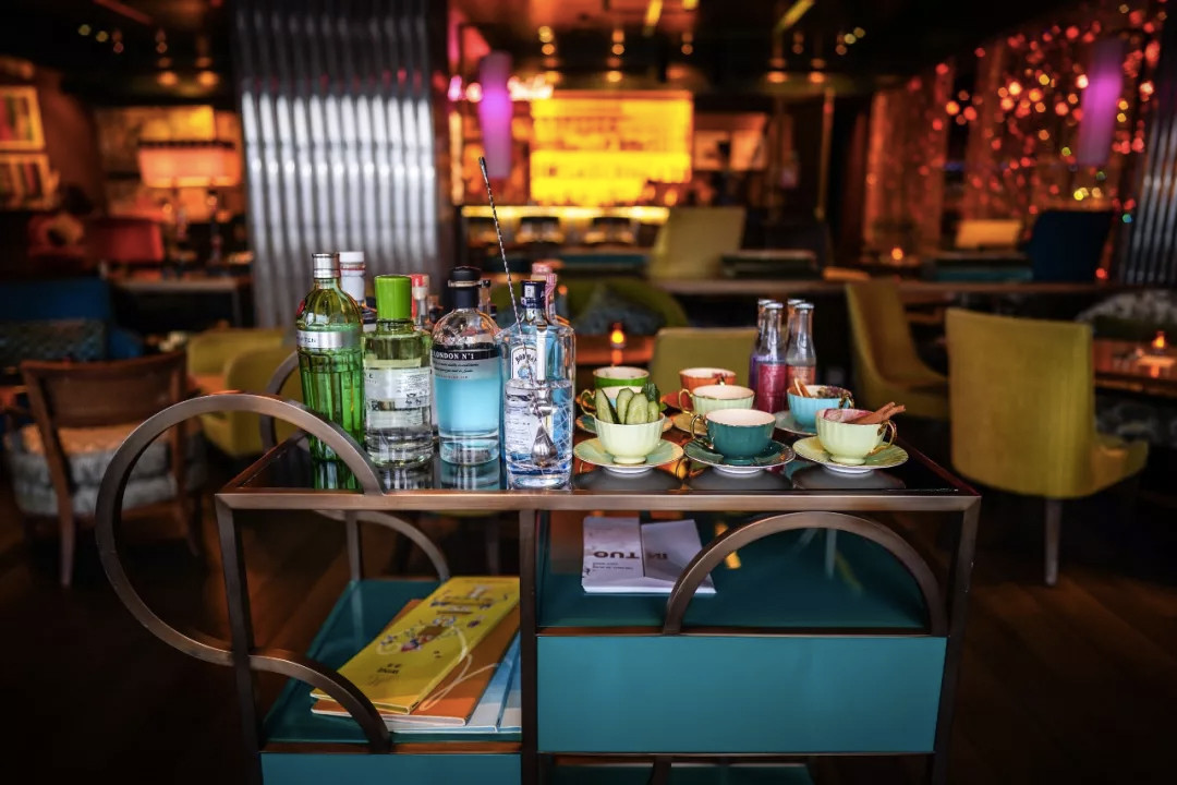 魅蓝金汤力小推车 GIN AND TONIC TROLLEY AT GLAM